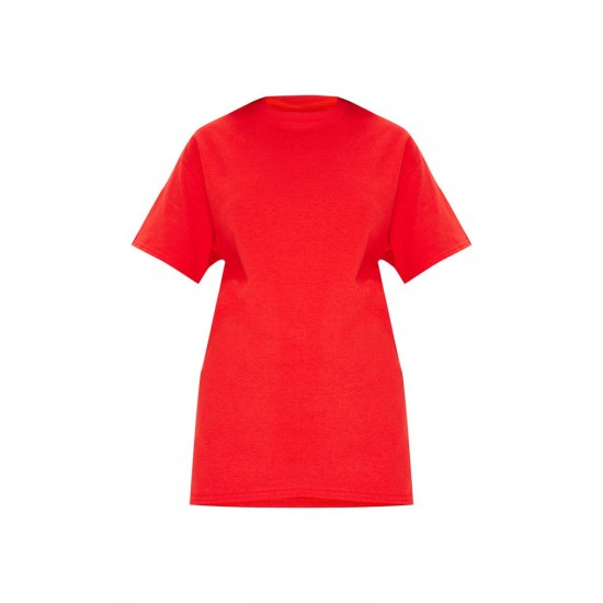 Red T-shirts